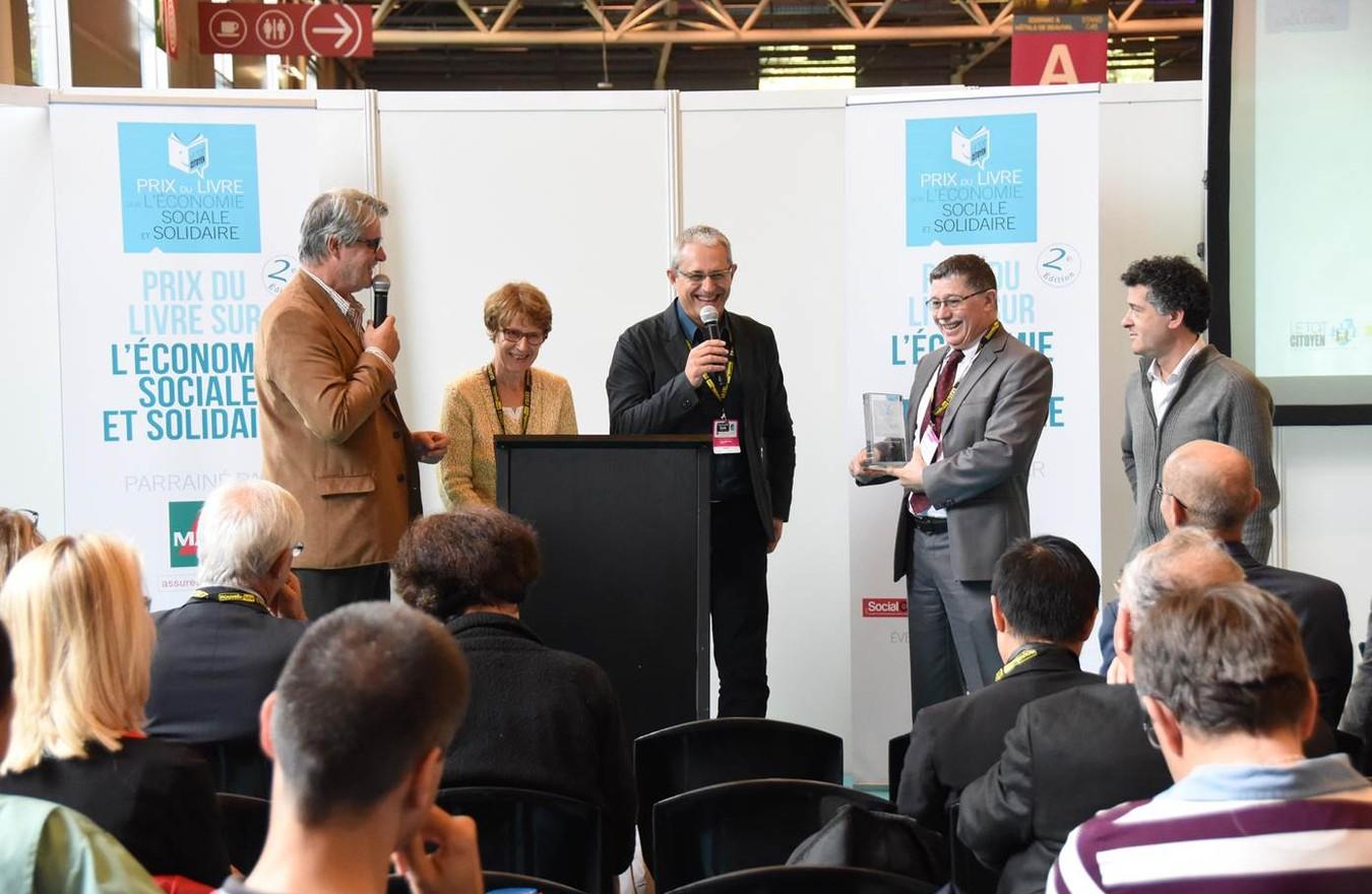 Photo - Remise Prix livre ESS - ADC Propreté récompensé dans la catégorie Temoignage - SalonsCE
